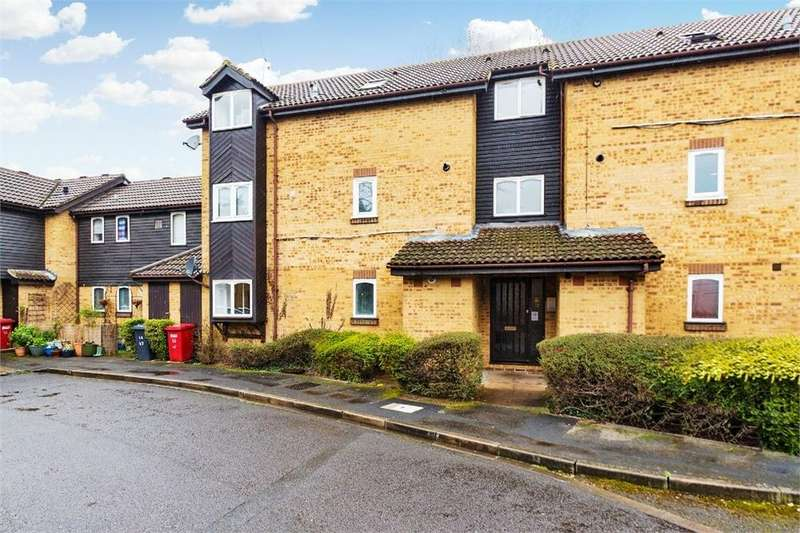 1 Bedroom Flat for sale in Albany Park, Colnbrook, Berkshire