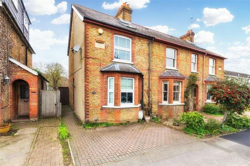 2 Bedrooms End Of Terrace House for sale in Albany Road, Old Windsor, Berkshire