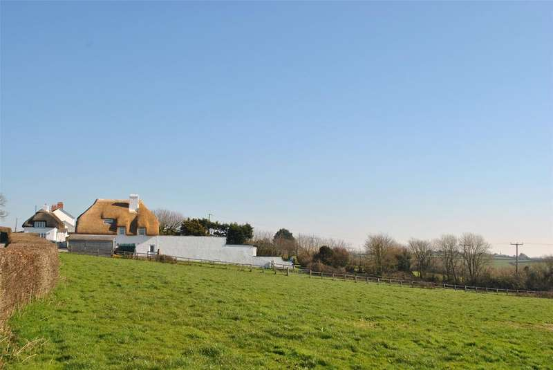 6 Bedrooms Detached House for sale in Hersham, Bude