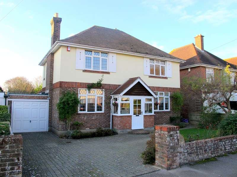 4 Bedrooms Detached House for sale in Milvil Road, Lee-On-The-Solent