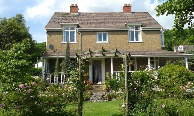 4 Bedrooms Detached House for sale in Axbridge Road, Cheddar