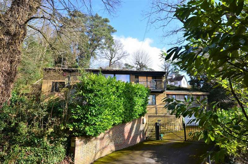 4 Bedrooms Detached House for sale in Old Church Lane, Lower Bourne, Farnham
