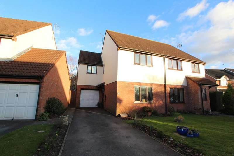 3 Bedrooms Semi Detached House for sale in Superb residential location in Wrington