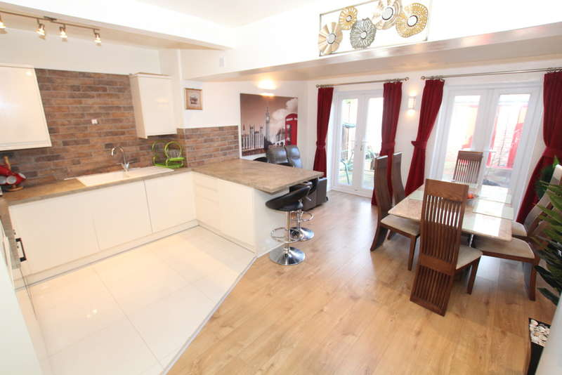 3 Bedrooms Semi Detached House for sale in Endsleigh Road, Liverpool, L22