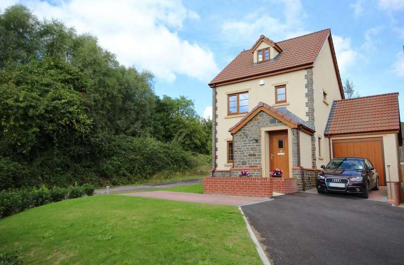 3 Bedrooms Detached House for sale in The Sidings, Clutton
