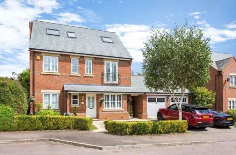 5 Bedrooms Detached House for sale in Farm Crescent, London Colney, St. Albans, Hertfordshire, AL2