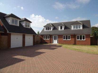 4 Bedrooms Detached House for sale in The Baulk, Rose Cottage, 2C The Baulk, Beeston