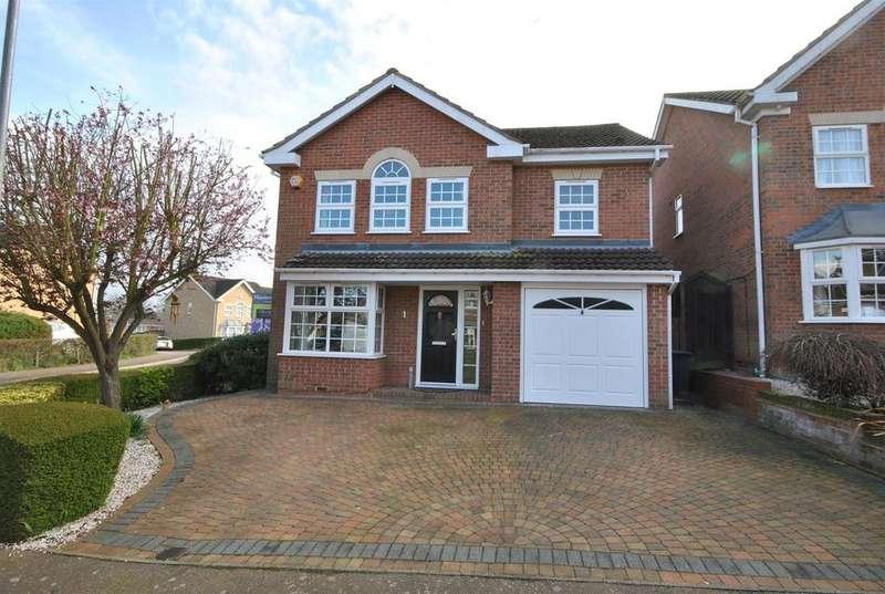 4 Bedrooms Detached House for sale in Cattlins Close, Goffs Oak