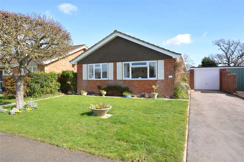2 Bedrooms Detached Bungalow for sale in Everlea Close, Everton, Lymington, Hampshire, SO41