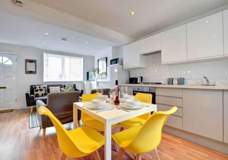 3 Bedrooms House for rent in Upper Gardner Street, Brighton