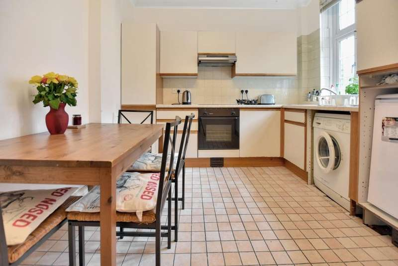 3 Bedrooms Flat for sale in Sherard Mansions, Well Hall Road, Eltham, SE9