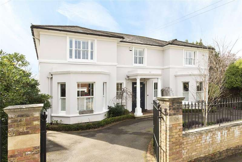 5 Bedrooms Detached House for sale in Arnison Road, East Molesey, Surrey, KT8