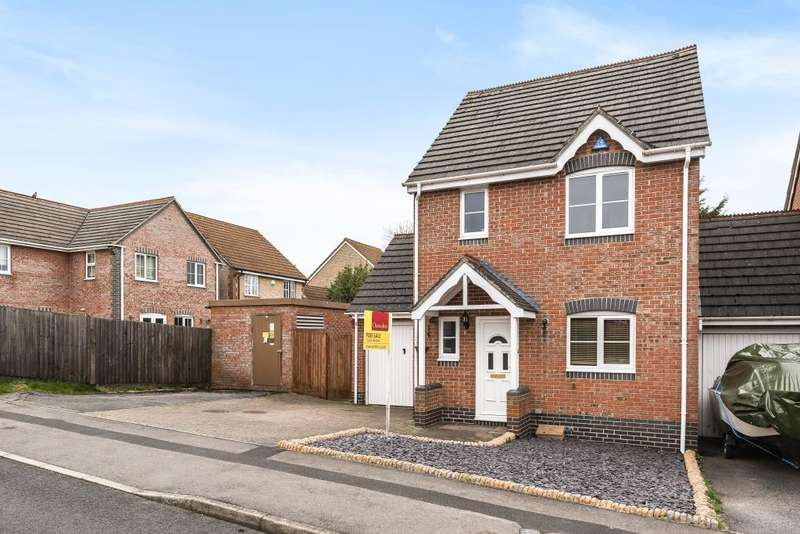 3 Bedrooms House for sale in Harebell Drive, Thatcham, RG18