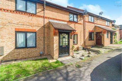 2 Bedrooms Terraced House for sale in Poppyfields, Bedford, Bedfordshire