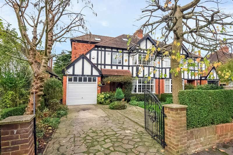 6 Bedrooms Semi Detached House for sale in East Molesey