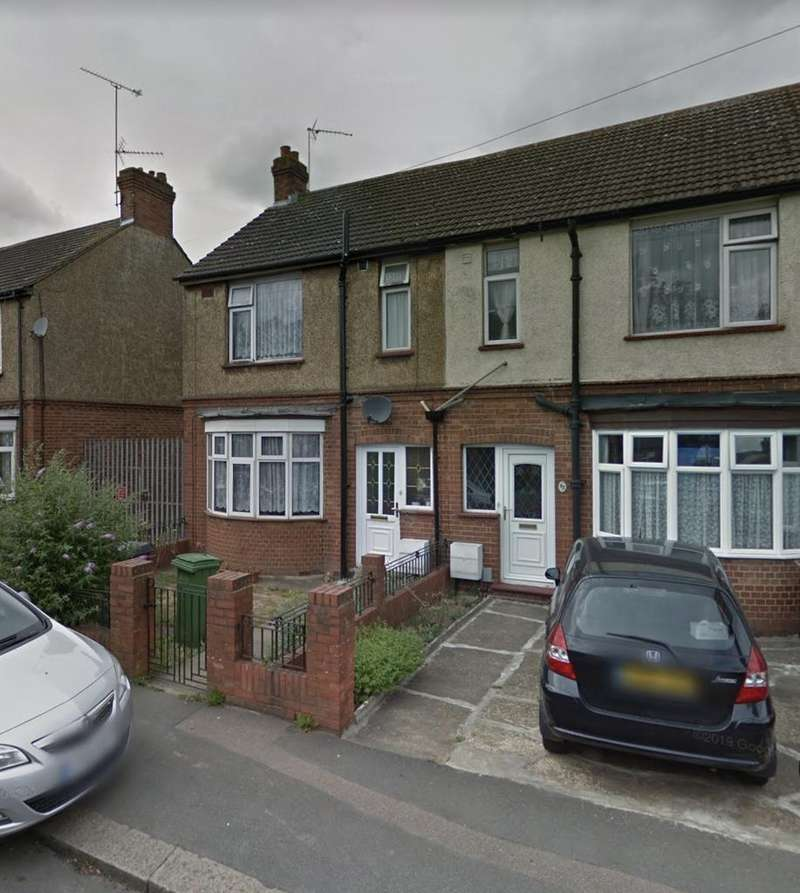 5 Bedrooms Semi Detached House for rent in Blundell Road, Luton LU3