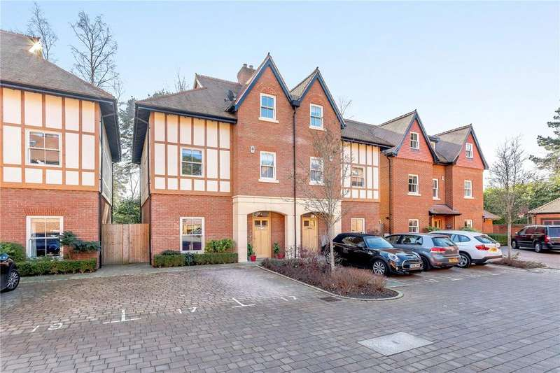 4 Bedrooms Semi Detached House for sale in Queensbury Gardens, Ascot, Berkshire