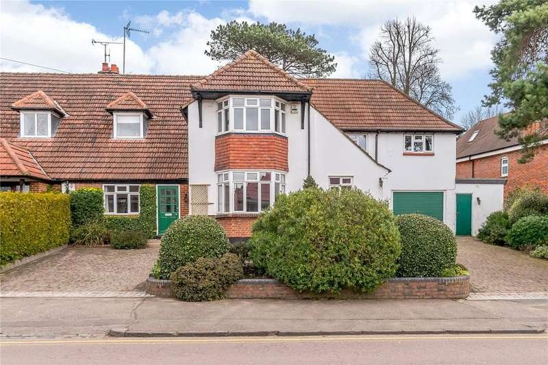 5 Bedrooms Semi Detached House for sale in Bowers Way, Harpenden, Hertfordshire