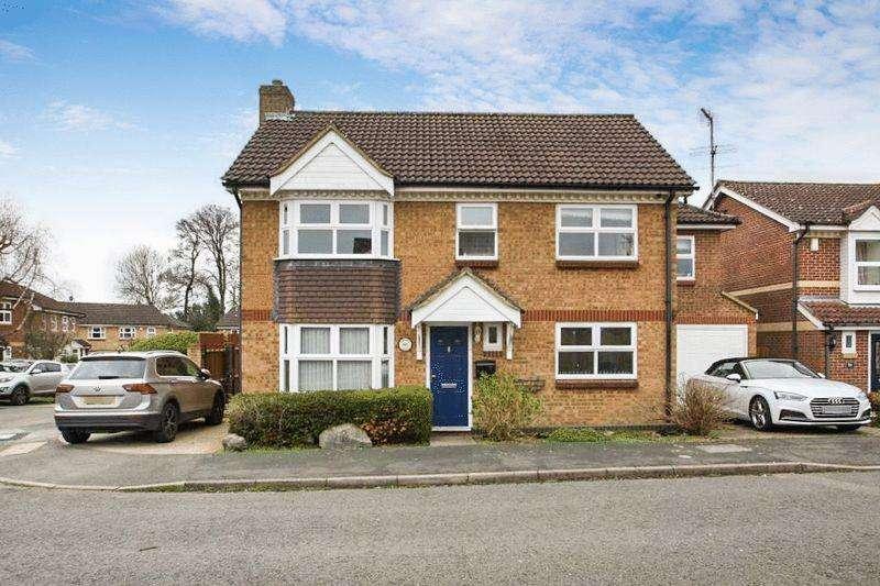 5 Bedrooms Detached House for sale in Downley Village, Cul-de-sac location