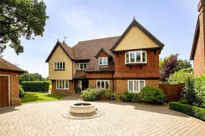 4 Bedrooms Detached House for sale in Leybourne Place, Felbridge, East Grinstead, West Sussex, RH19