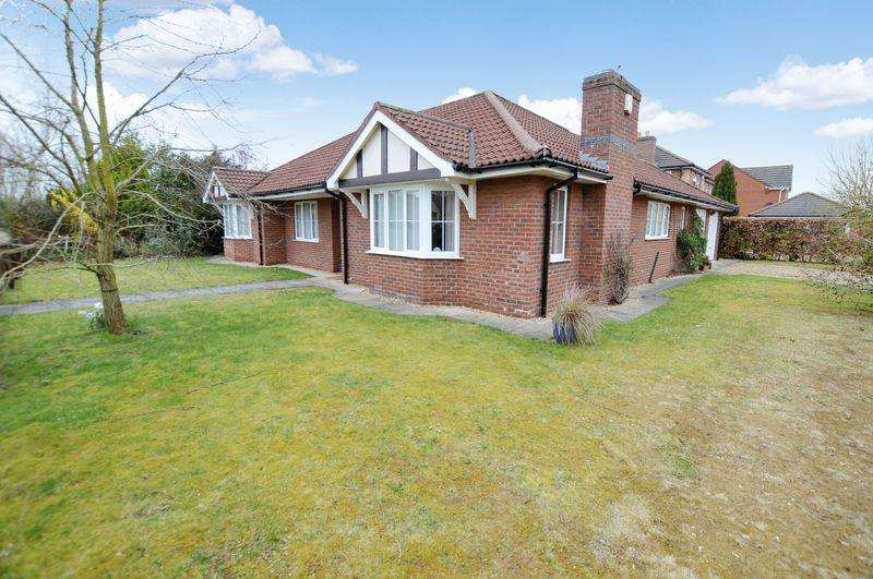 3 Bedrooms Bungalow for sale in 19 Turnberry Drive, Woodhall Spa
