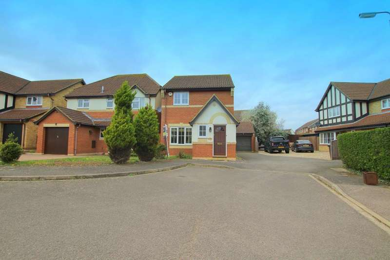 3 Bedrooms Detached House for sale in Denton Drive, Marston Moretaine, Bedfordshire, MK43 0NA
