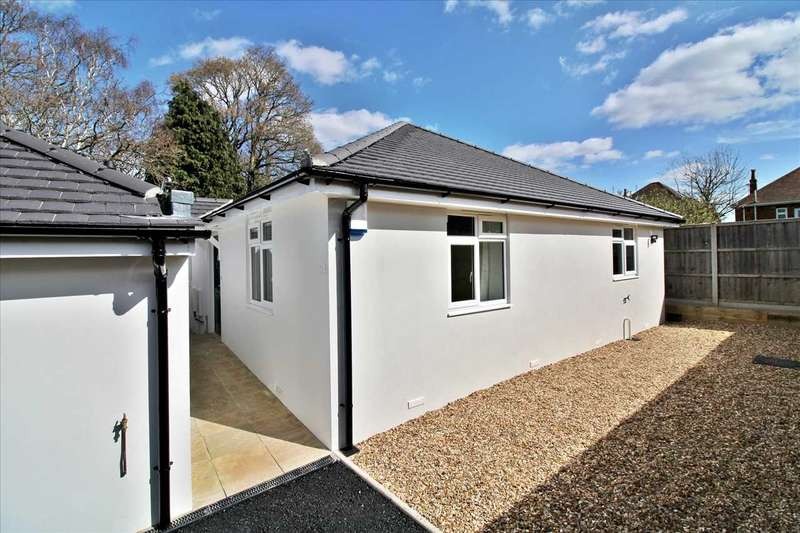 2 Bedrooms Bungalow for sale in Paddington Grove, Bournemouth