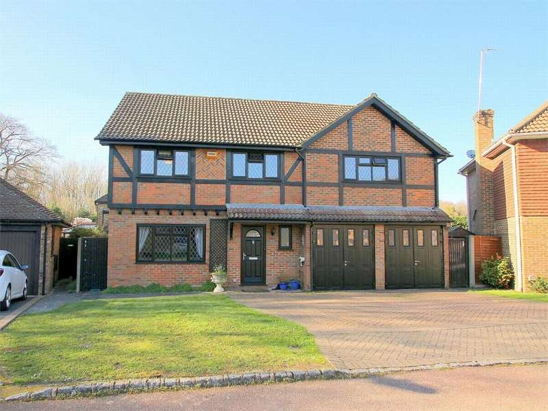 5 Bedrooms Detached House for sale in Marjoram Close, Farnborough, Hampshire