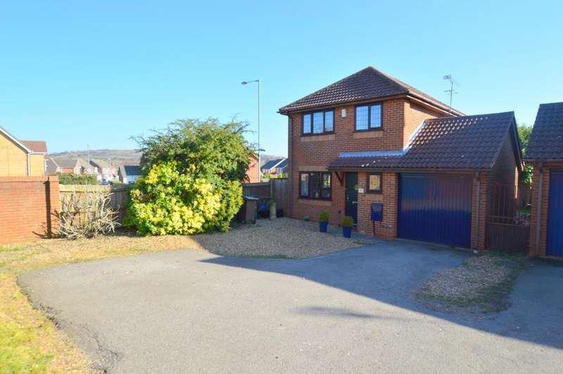 3 Bedrooms Detached House for sale in Dexter Close, Barton Hills, Luton, LU3 4DY