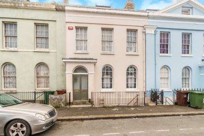 4 Bedrooms Terraced House for sale in Stonehouse, Plymouth, Devon