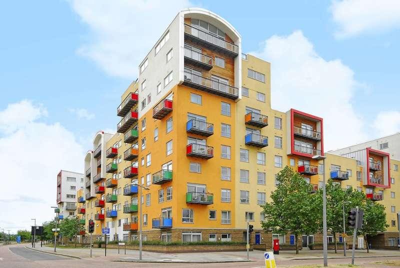 3 Bedrooms Flat for sale in John Harrison Way, Greenwich, SE10