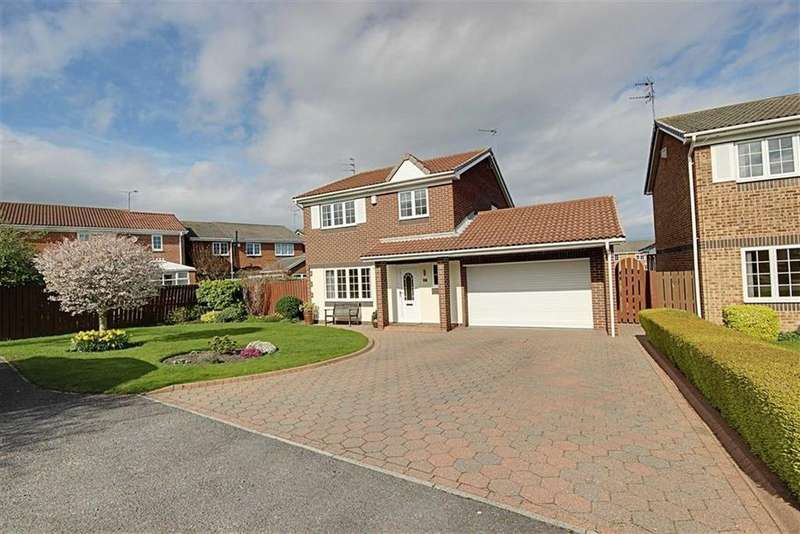 4 Bedrooms Detached House for sale in Borrowdale Close, East Boldon, Tyne And Wear