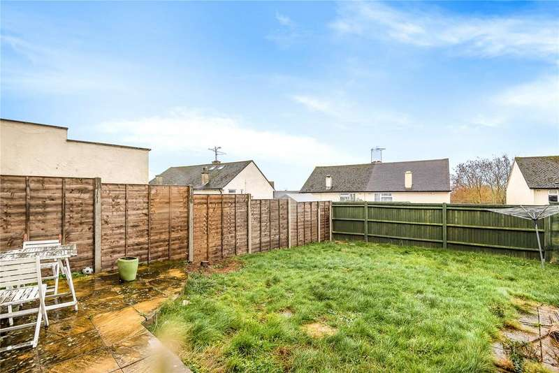 2 Bedrooms Semi Detached House for sale in Royal Avenue, Calcot, Reading, Berkshire, RG31