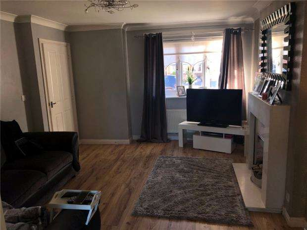 3 Bedrooms House for sale in Ambleside Drive, Kirkby, Liverpool