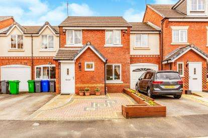 4 Bedrooms Terraced House for sale in Abbeystead Avenue, Chorlton, Manchester, Greater Manchester
