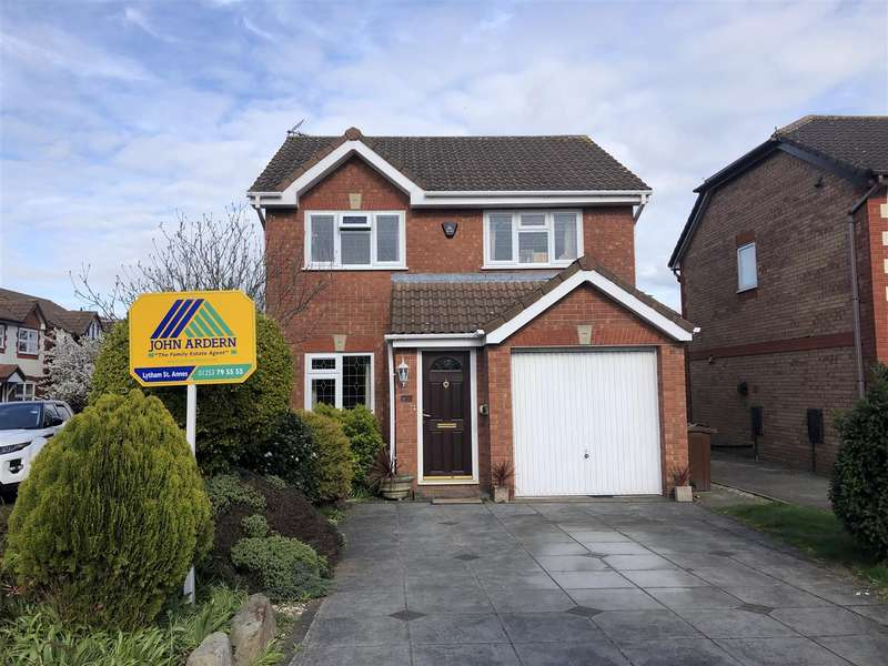 3 Bedrooms Detached House for sale in Hastings Avenue, Warton, Preston