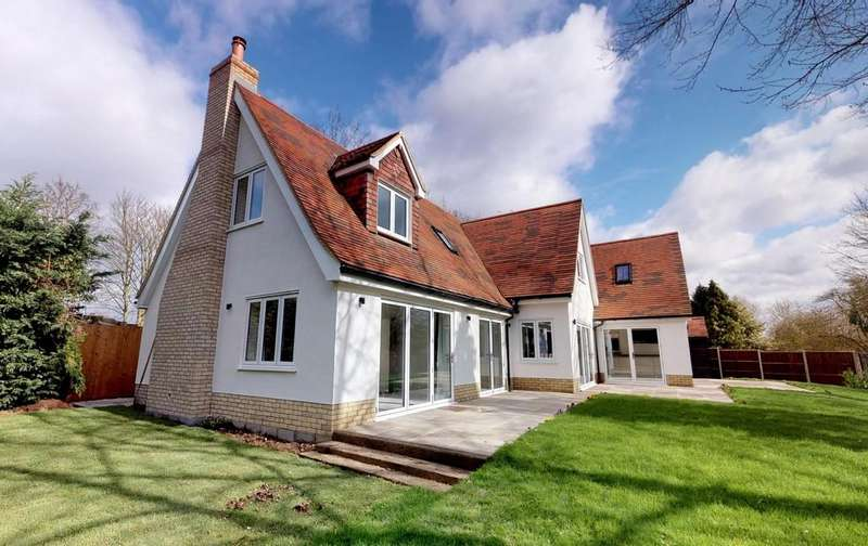 5 Bedrooms Detached House for sale in Matching Green, Essex