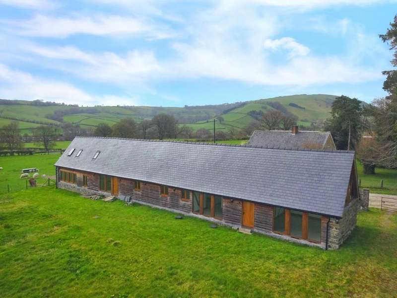 4 Bedrooms Farm Commercial for sale in Birchen House Barn, Trefeglwys, Caersws, Powys