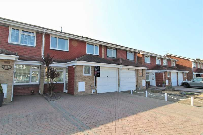 3 Bedrooms Terraced House for sale in Mariners Walk, Southsea