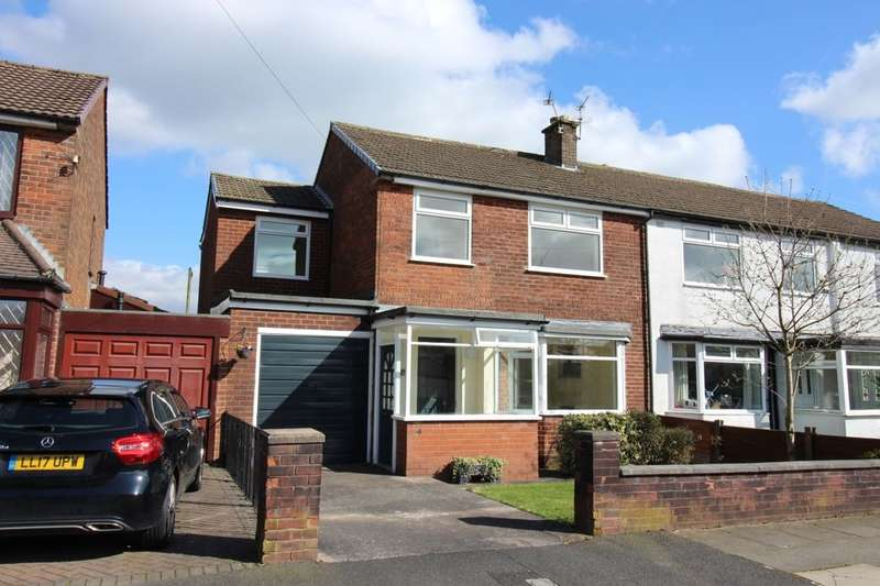 4 Bedrooms Semi Detached House for sale in Hawthorn Avenue, Holcombe Brook, Bury, BL0