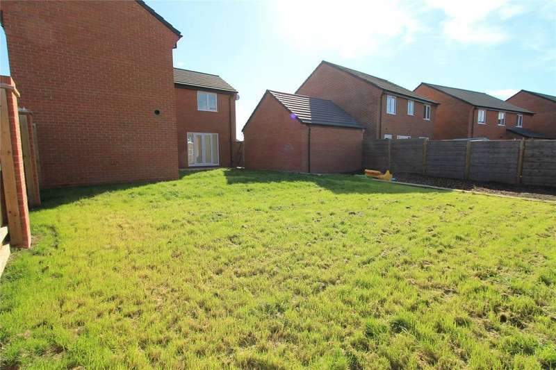4 Bedrooms Detached House for sale in Randalls Drive, Crewe, Cheshire, CW1