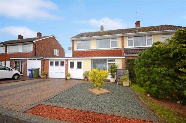 3 Bedrooms Semi Detached House for sale in Clifton Rise, Windsor, Berkshire