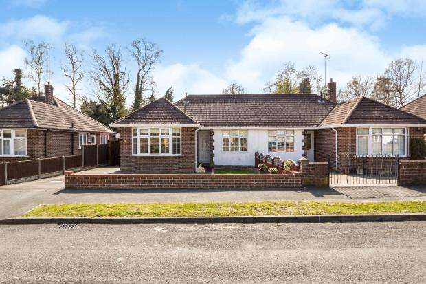2 Bedrooms Bungalow for sale in Ascot, Berkshire, .
