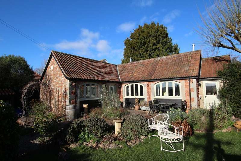 2 Bedrooms Detached Bungalow for sale in Located just off one of the best roads in Wrington
