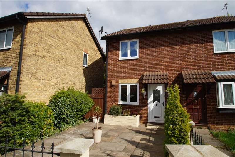 2 Bedrooms Semi Detached House for sale in Moore Close, Cippenham