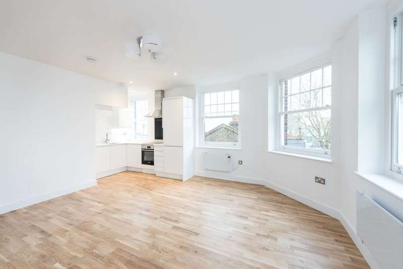 2 Bedrooms Flat for sale in 48a Broadway, West Ealing, W13