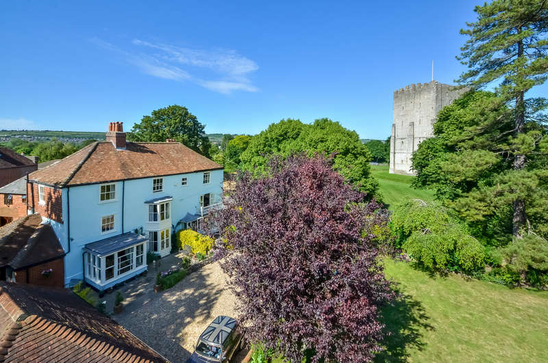 5 Bedrooms Town House for sale in Portchester, Hampshire