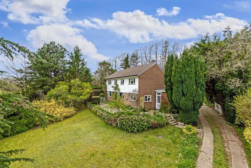 4 Bedrooms Detached House for sale in Highfield, Banstead
