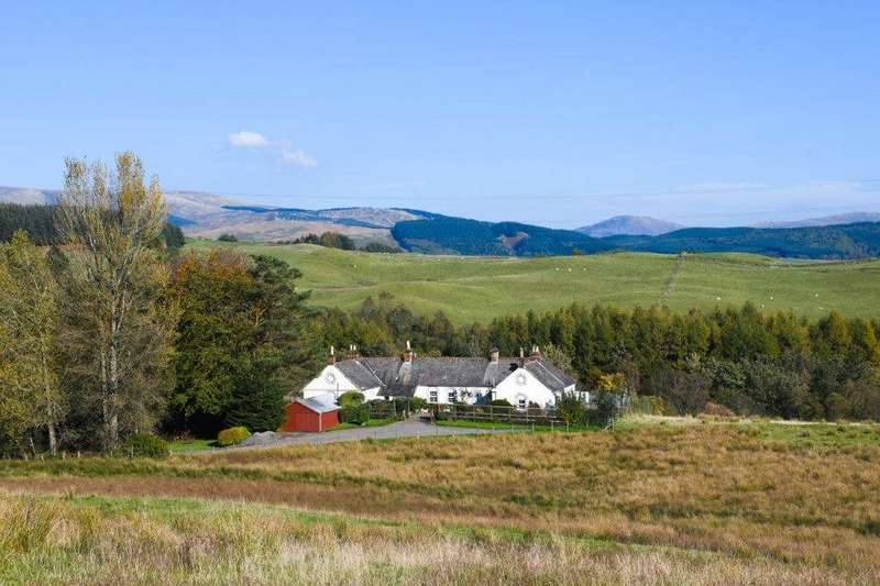 3 Bedrooms Detached House for sale in Valenciennes, Auchen Castle, Beattock, Moffat, Dumfries and Galloway, DG10