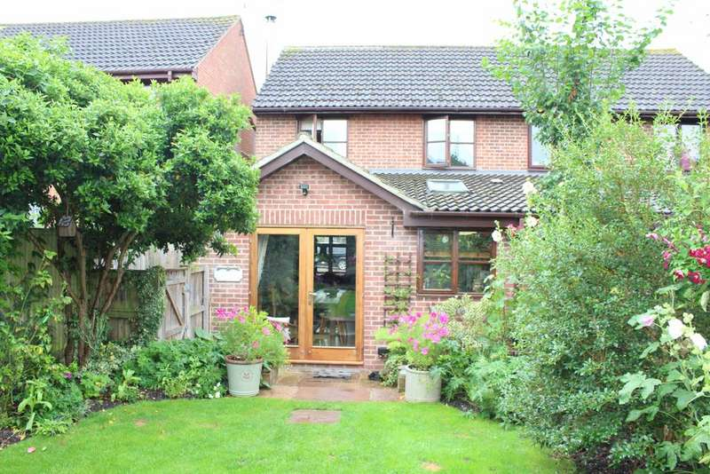 3 Bedrooms Semi Detached House for sale in Tarrants Hill, Hungerford RG17